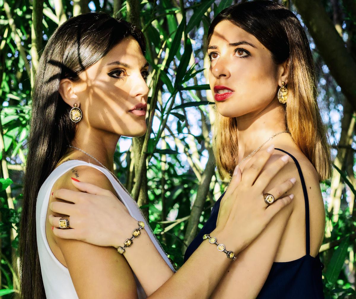 Donne con gioielli Z3ro Design